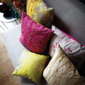 Beads fabric - magenta / fuchsia / gold (120044)
