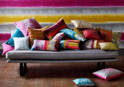 sofa messy cushions