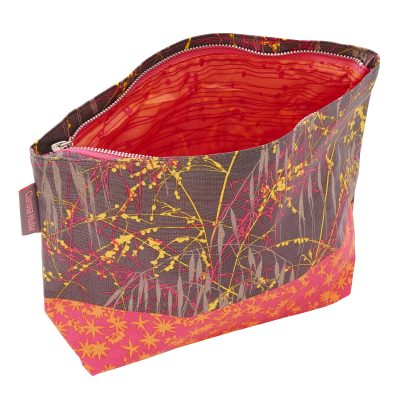 THREE GRASSES PINK washbag open-WEB