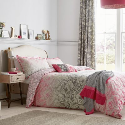 CLARISSA-HULSE-ESPINILLO-hot-pink-main-bed-HR2-