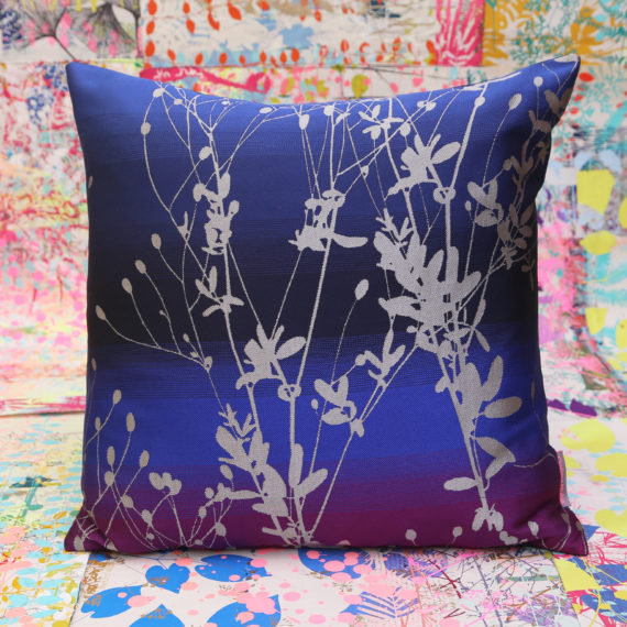Cushion 70 - xx jacquard silk back - 50 x50cm - electric blue purple