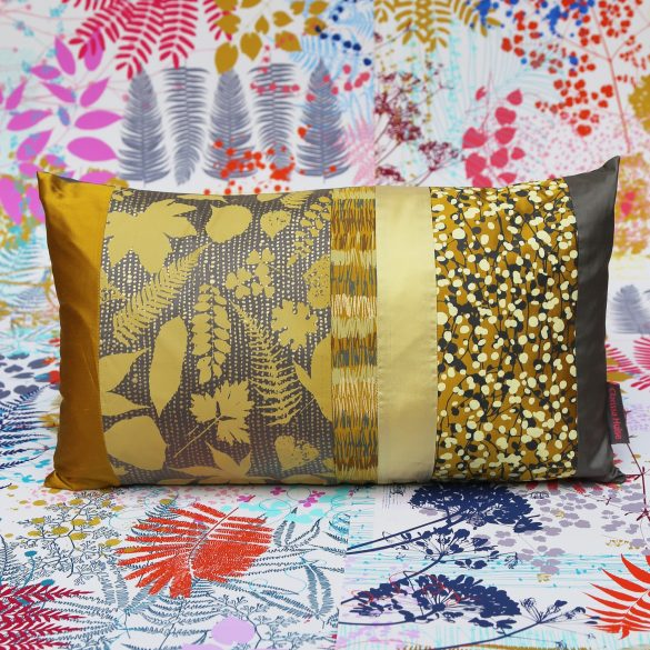 *SOLD* Cushion 163 - silk - turmeric / storm