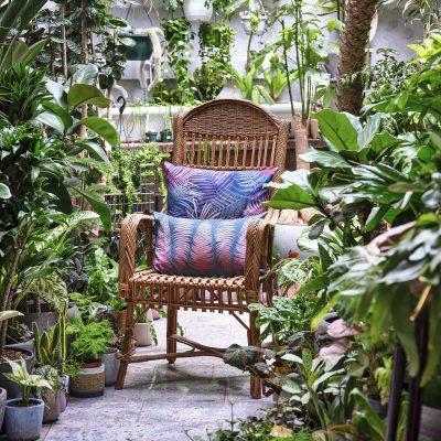 Palm Leaves cotton cushion – navy / blush