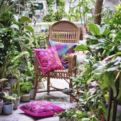 Fennel flowers cotton cushion – fuchsia / soft gold metallic