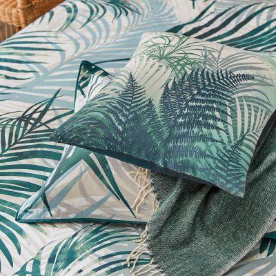 Palm leaf bedlinen cushion - forest green